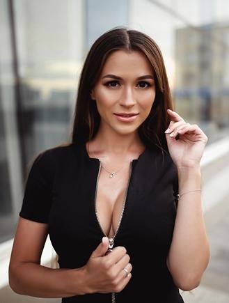 Women ukrainian Charming Ukrainian
